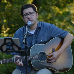 jim white performs at 5 2 tap room